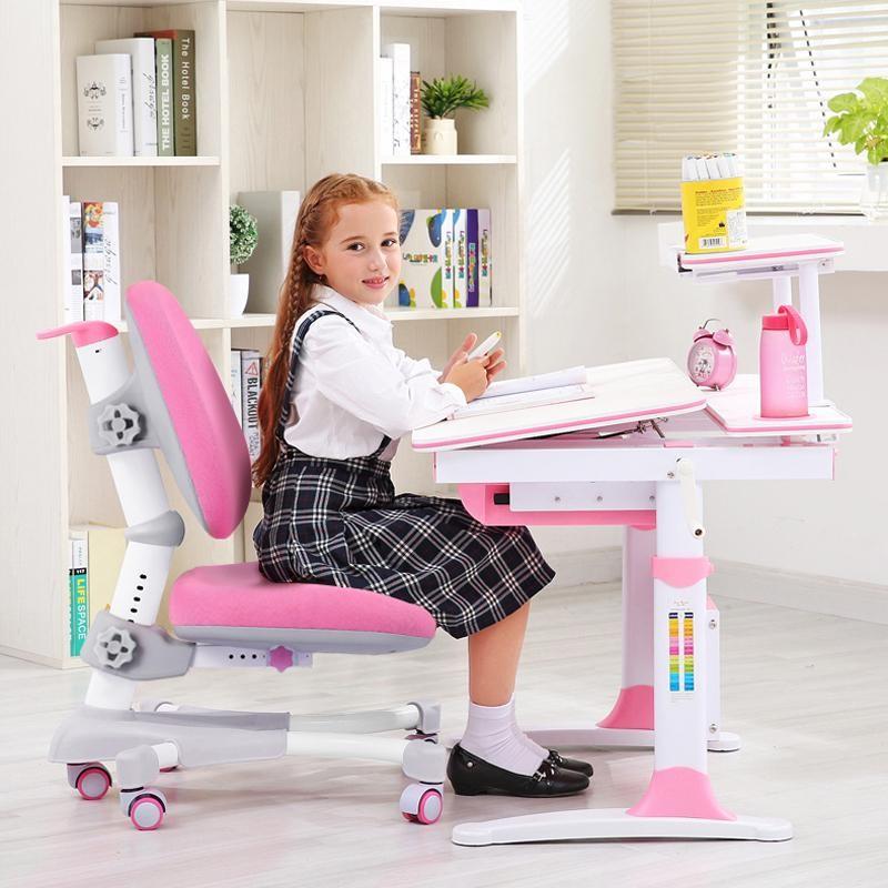 Quy tắc 1: Chọn chiều cao bàn học thích hợp với bé gái lớp 1
