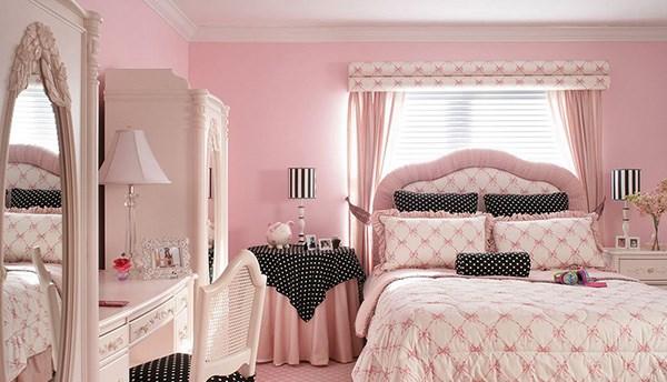 Phòng ngủ cho bé gái màu hồng nhạt