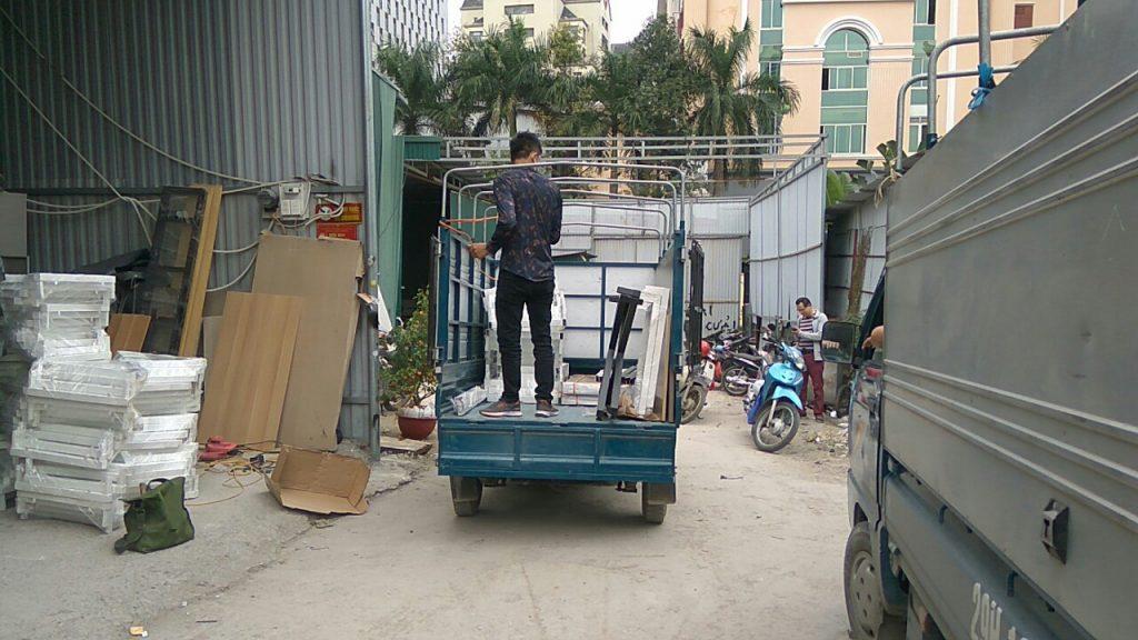Xe riêng vận chuyển đồ nội thất và lắp đặt tận nhà quý khách